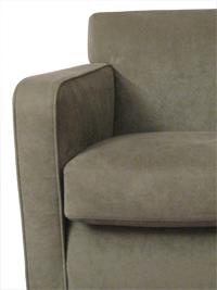 fauteuils B&B Italia entre deux chaises